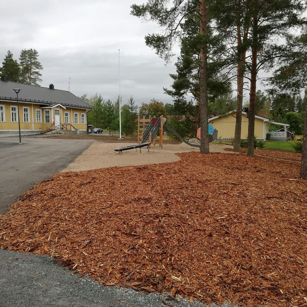 Lestijärvi school and day care´s yard is coming along!
